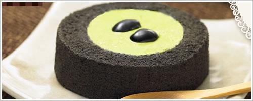 ローソンの「プレミアム宇治抹茶と黒胡麻のロールケーキ」を食べてみた